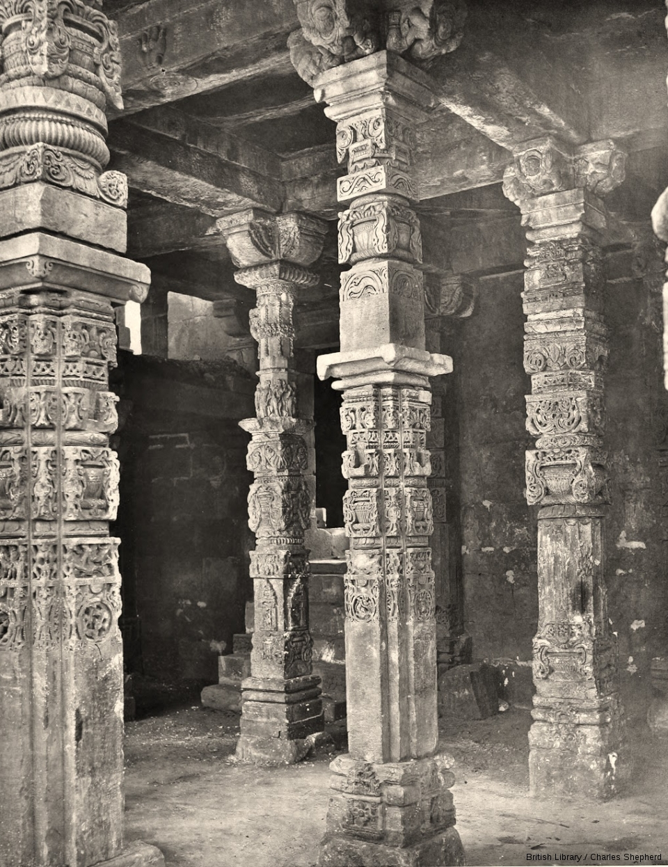 The Masjid-i-Kutb-ul-Islam [Quwwat-ul-Islam Mosque]. Pillars in the centre of the East Colonnade.